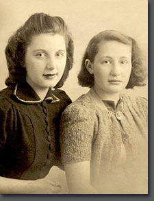 Lisa and Sonja Jura, 1938