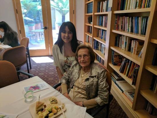 Holocaust survivor Lenci with student Marionne
